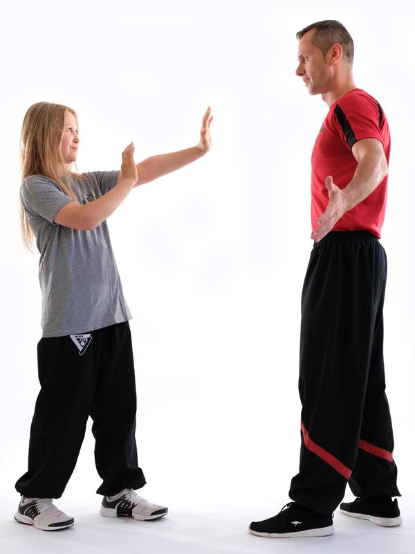 Kindertraining für Mädchen und Jungs ab 6 in der Fachschule für Selbstverteidigung Ludwigshafen